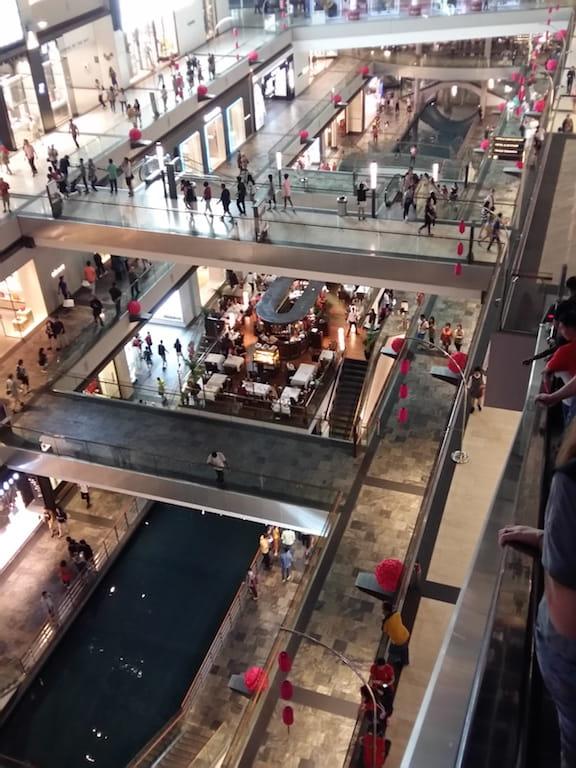Торговый центр Марина Бэй Сандс в Сингапуре